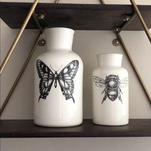 Set of two Laura Zindel jugs/vases